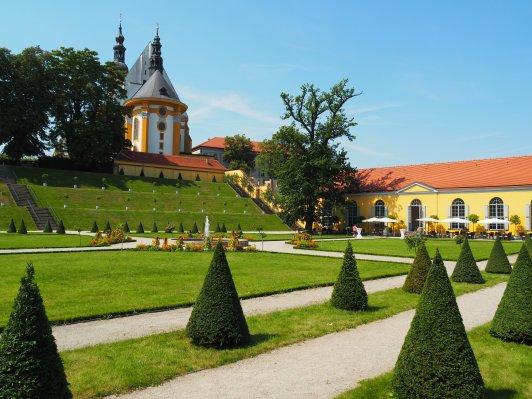 Stiftskirche und Orangerie