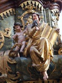Kanzel: Matthäus mit Menschenkind