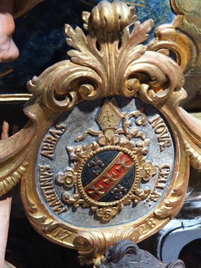 Kanzel: Wappen Abt Martinus mit Jahreszahl 1728