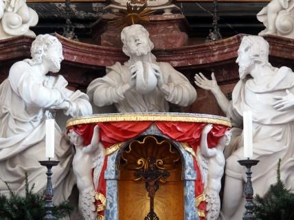 Stiftskirche, Hochaltar: Emmaus-Gruppe