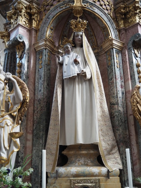 Stiftskirche, Maria-Altar: gotische Madonna