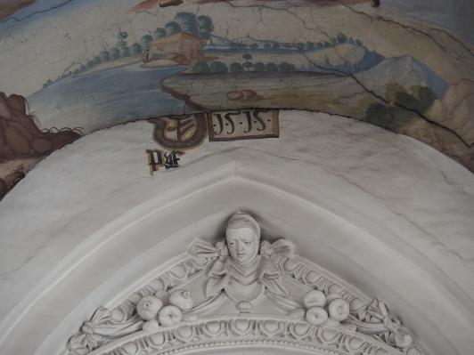 Inschrift über dem nördlichen Westportal